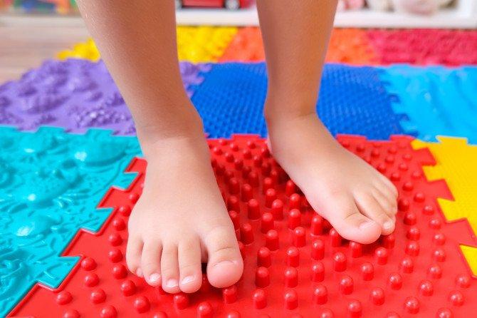 Podología infantil: síntomas y principales problemas
